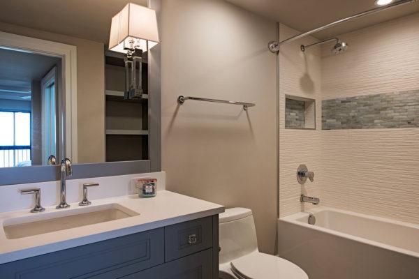 6001-Pelican-Bay-Blvd-1702-large-006-3-Bathroom-1499x1000-72dpi[1]