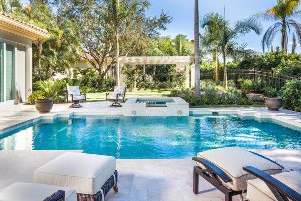 Grey-Oaks-Isla-Vista-Residence-7[1]